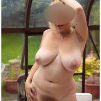 Belle mature nudiste cherche du sexe gratuit
