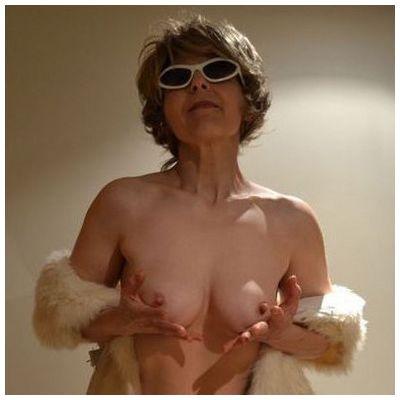 Rencontre libertine avec une chaude mamie de Cannes