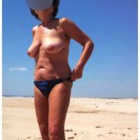 Soirée sexe avec une mature naturiste de 52 ans