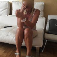 Belle blonde mature et chaude infidèle pour rencontre discrète Montpellier